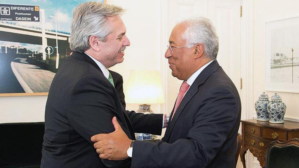 'Bilateral'.  De España, Fernández viajó a Portugal para verse con el primer ministro, Antonio Costa.