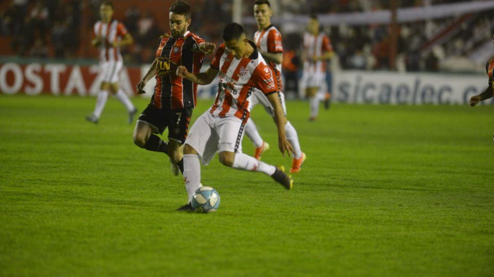 Soltó el festejo. Instituto logró su primer triunfo en la temporada 2019/2020.