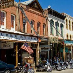 Virginia City parece un escenario de una película del oeste americano, pero es completamente real.