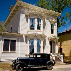 Las casas señoriales del siglo pasado hoy se convirtieron en petit hoteles para recibir a los turistas.