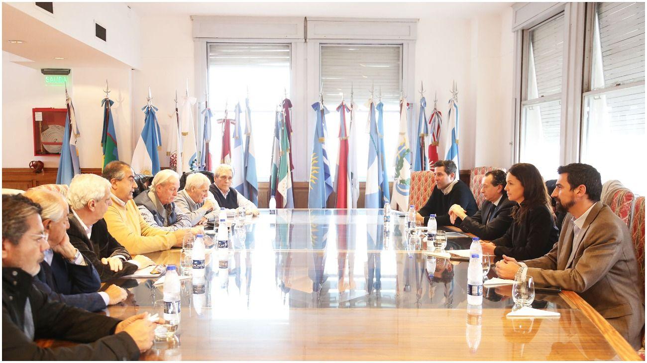 Los ministros Stanley y Sica, reunidos con la conducción de la CGT.