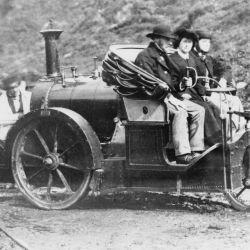 """En la década de 1860, los automóviles eran básicamente """"juguetes"""" grandes y peligrosos."""