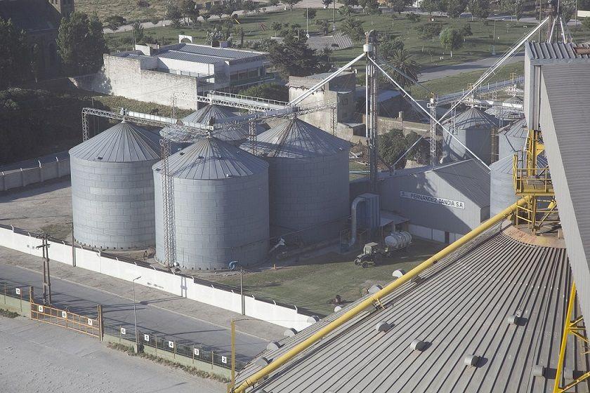 La cadena de la soja emplea un total de 345.000 personas, que equivale al 16% de la mano de obra de la agroindustria nacional.