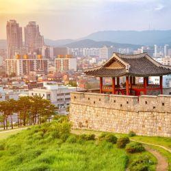 Seul es reconocida por el acceso y la calidad de sus servicios médicos, entre los que resalta el amplio número de camas de hospital que tiene por cada habitante.