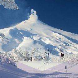 El centro de esquí Pucón se encuentra en las cercanías del volcán Villarrica.