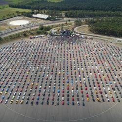 La multitudinaria reunión de Ford Mustang se realizó en el campo de pruebas de Lommel, en Bégica.