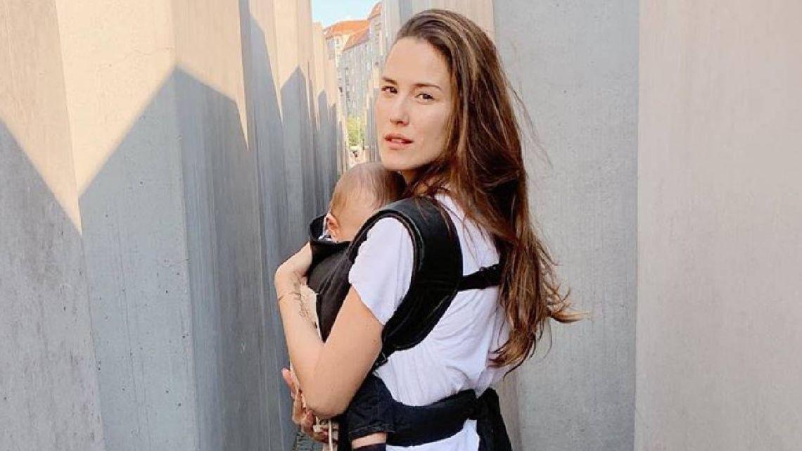 La tristeza de Luli Fernández en su viaje por Alemania