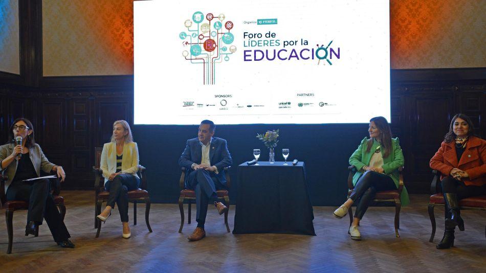 Funcionarios de educación en el Foro de Líderes por la Educación
