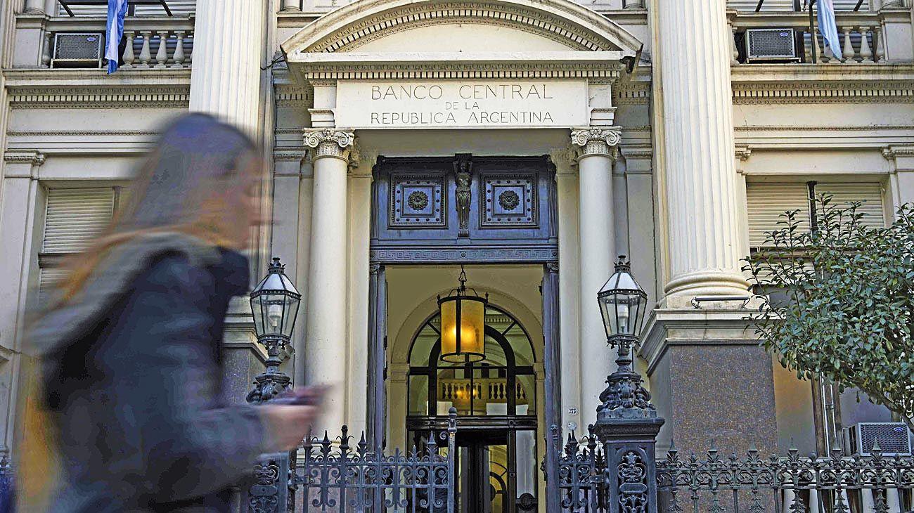 Moneda. La demanda de dólares complica al BCRA.