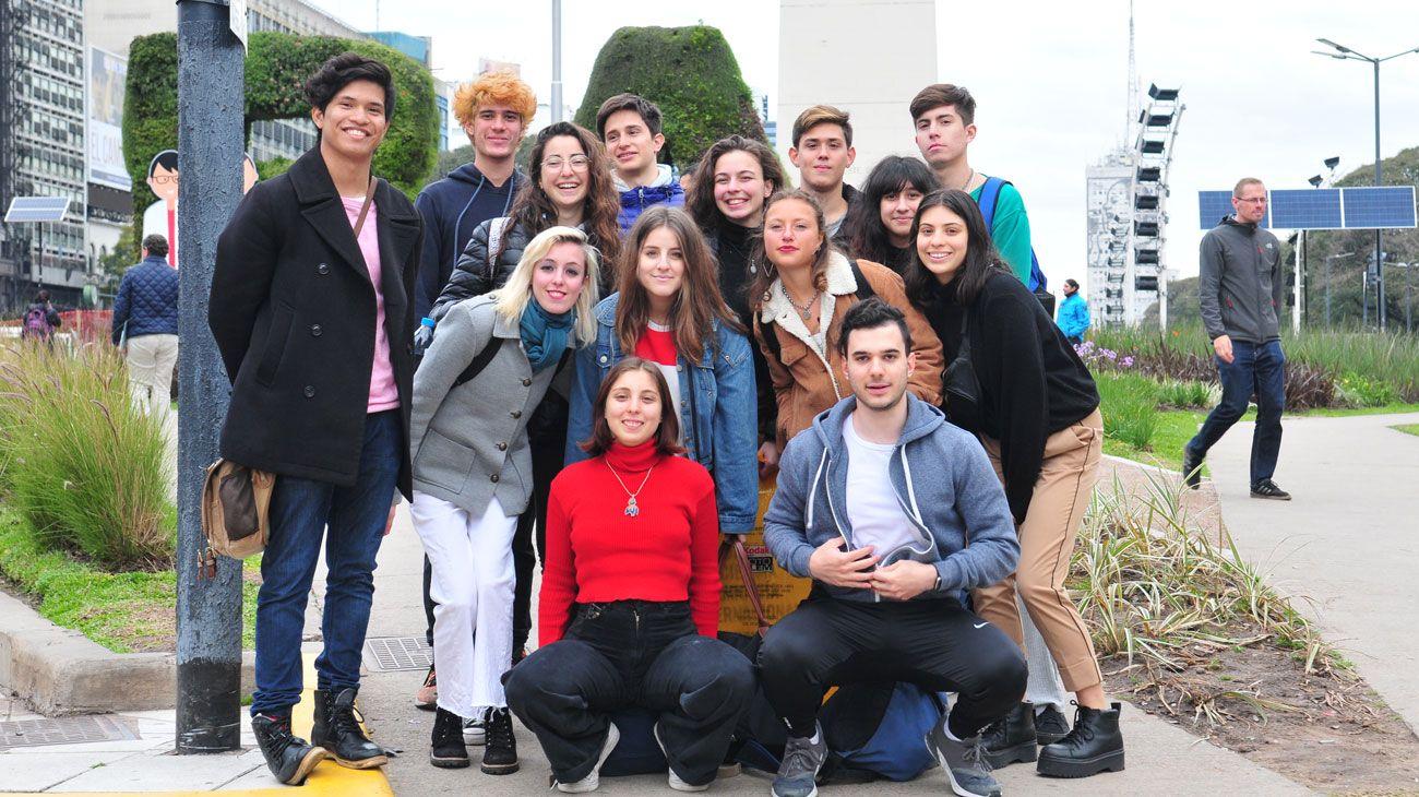 COMPROMISO. Bruno Rodríguez (izq) junto a sus compañeros de Jóvenes por el Clima Argentina.