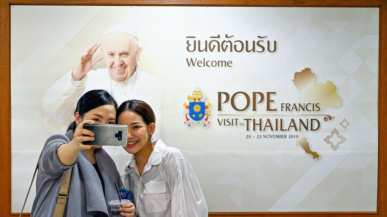 Viaje a Tailandia y Japón con toque familiar para Francisco