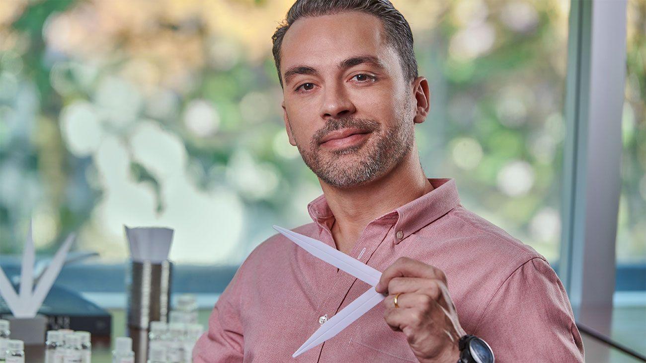 EXPERTO. Walter Soares es el maestro perfumista de Givaudan en San Pablo, Brasil.