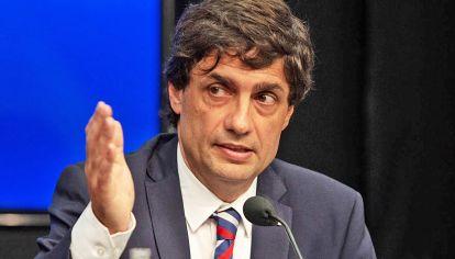 Puente. Lacunza busca extender el pago de la deuda y fondeo.