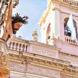 El Señor del Milagro volvió a recorrer las calles de Salta como lo hace cada año.