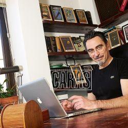 Federico Andahazi presenta a su familia en su casa de Belgrano