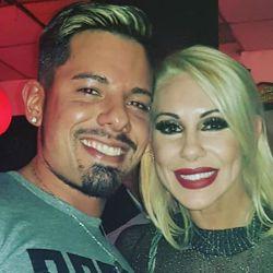 Monica Farro junto a Leandro