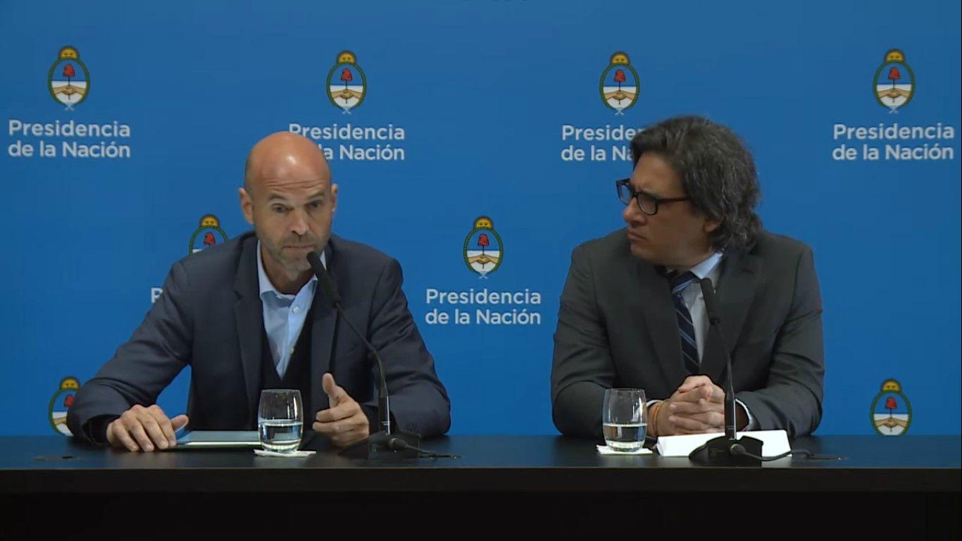 Dietrich y Garavano en conferencia de prensa.