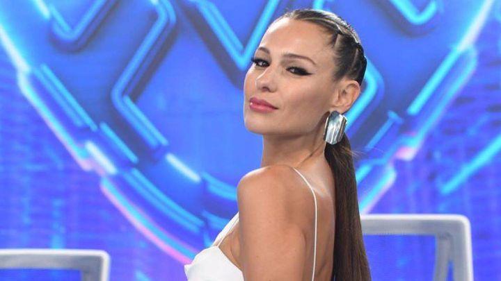 """El vestido de novia de Pampita: quién es el """"privilegiado"""" hombre que lo vio"""