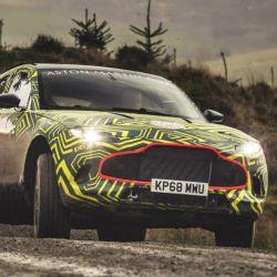 Prototipo del Aston Martin DBX, futuro rival del SUV de Ferrari.