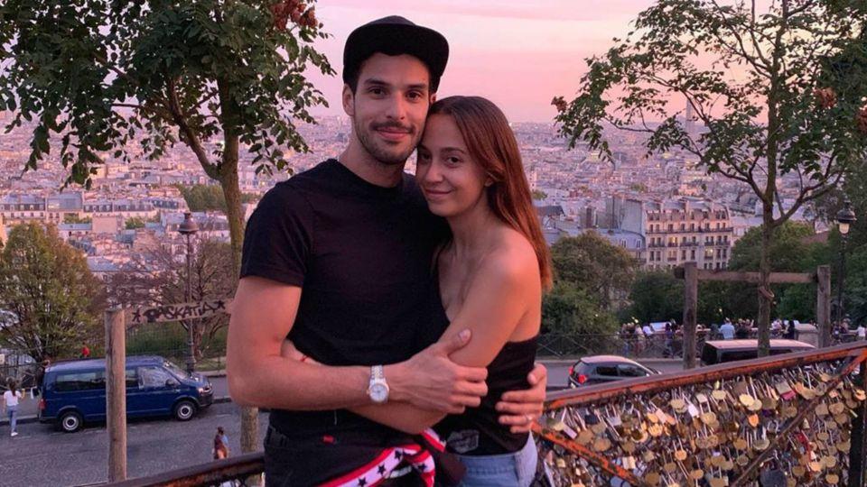 Nai Awada, besos con su novio y ¿compromiso frente a la Torre Eiffel?
