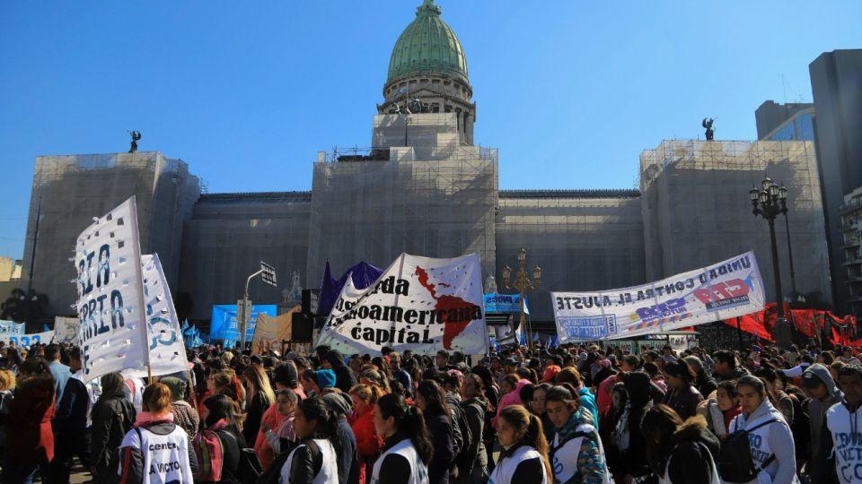 Así fueron las protestas frente al Congreso en el marco del pedido de emergencia alimentaria.