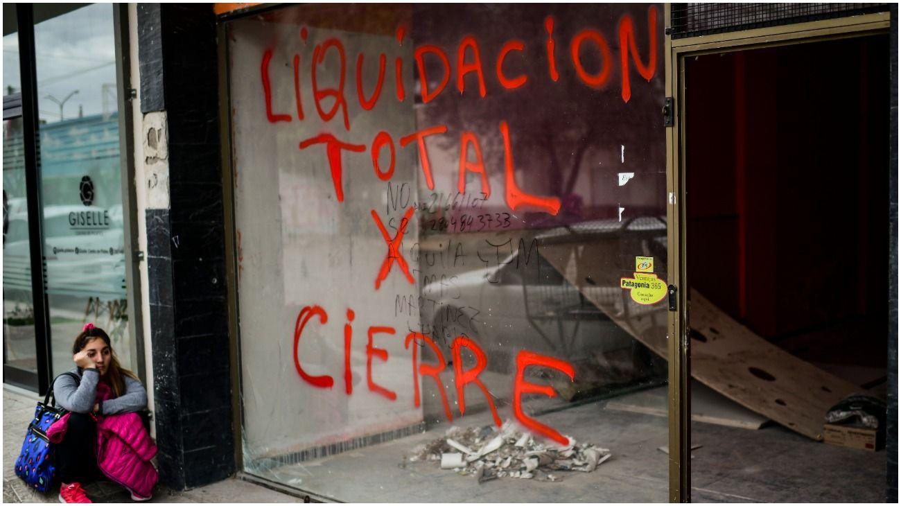 Crisis, reclamos al gobernador y deudas: qué pasa en la provincia de Chubut