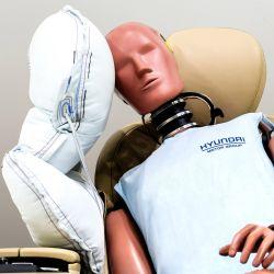 Ante un choque, el airbag lateral central evita el impacto entre el conductor y el acompañante.