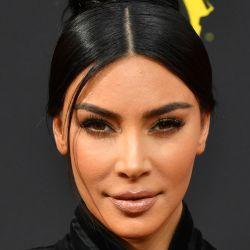 Kim Kardashian, conocida por publicitar contenidos pagos para mejorar el aspecto físico