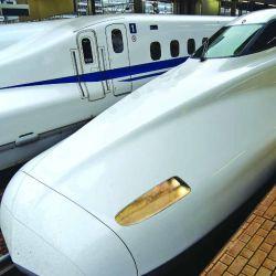 En este tren bala podemos recorrer Japón de punta a punta en pocas horas a unos 320 kph.