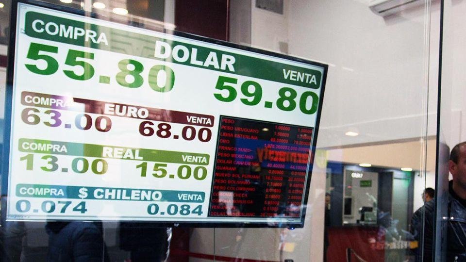 Cepo y ventas. Contenido, el dólar se reacomodó sobre $ 59.