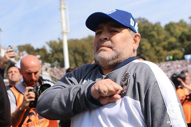 Para demostrar su inocencia Saillén debería decir que cree que Maradona salvará a Gimnasia