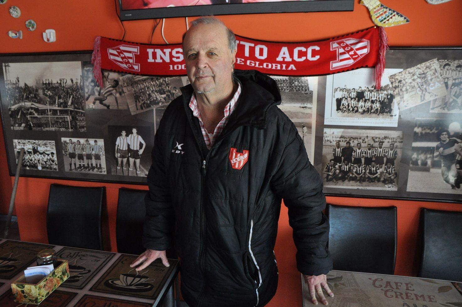 ICONO. Turza lleva 47 años trabajando en el club de Alta Córdoba.