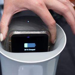 El Oblio es una estación Qi para la carga inalámbrica de smartphones.