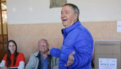 El gobernador de Córdoba parece tener otros incentivos que se balancean entre los personales y los políticos.