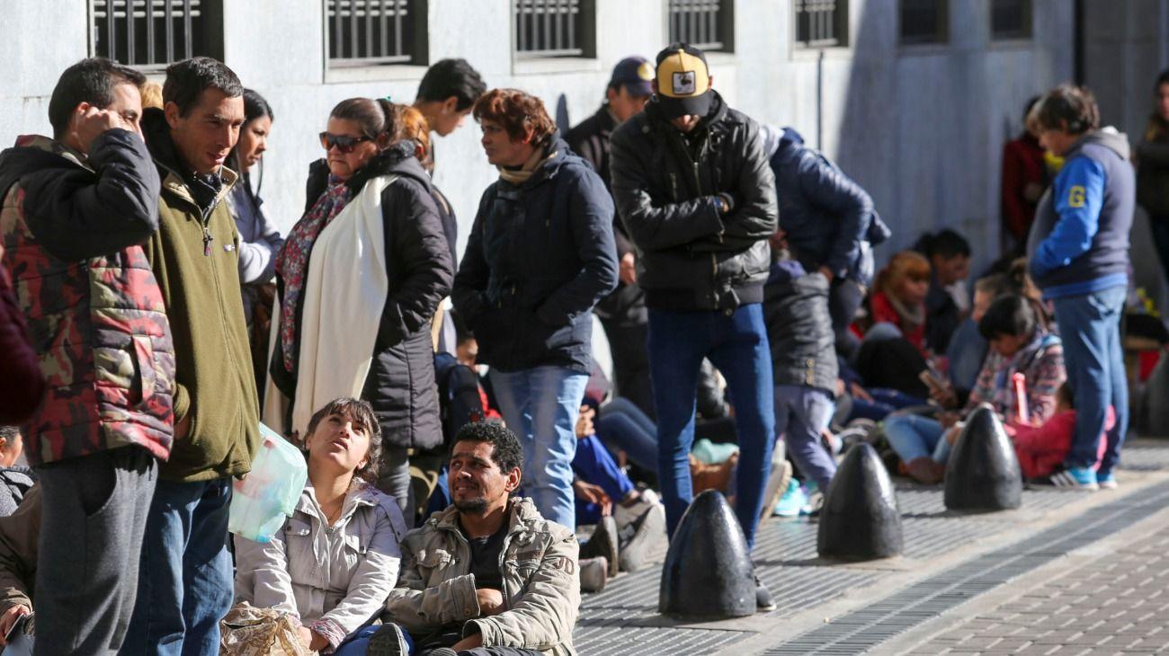 La crisis económica sigue golpeando a los argentinos.