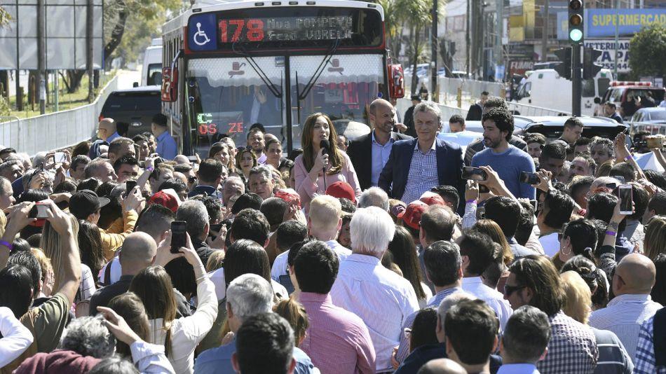 Macri y Vidal, durante el acto de inauguración del Metrobus de Florencio Varela.