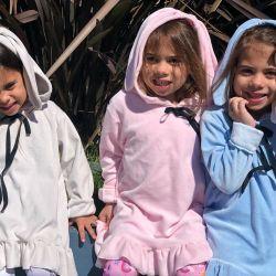 Las hijas de Cinthia Fernández endulzaron la web con su divertido baile
