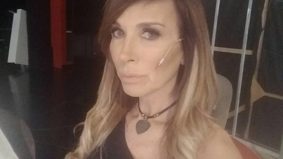 La salud de Daniela, la cantante, tras desmayarse en Intrusos: sufrió un AIT