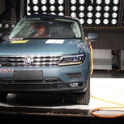 Prueba de impacto lateral contra un poste del Volkswagen Tiguan Allspace. Crédito: Latin NCAP.