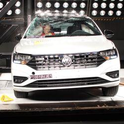 Prueba de impacto lateral contra un poste del Volkswagen Vento. Crédito: Latin NCAP.