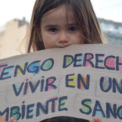 Un centenar de jóvenes marcharon desde Plaza de Mayo al Congreso