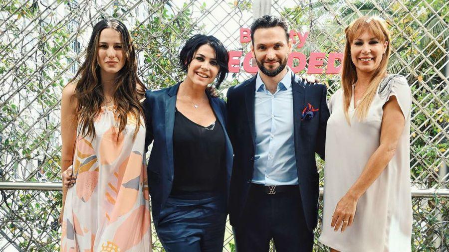 El Dr. Felice junto a Pamela, Celina y Luli
