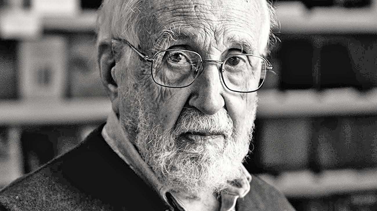 Jitrik. Al igual que hace cincuenta años, el autor deja en claro en su obra de qué se trata la crítica.