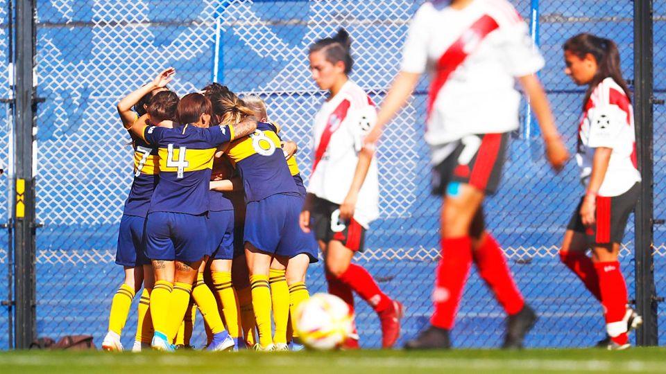 Una buena. Comenzó el primer campeonato profesional de fútbol femenino de la AFA. Histórico.