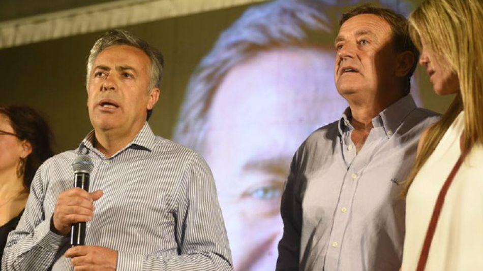 Cornejo y Suárez, tras el triunfo en Mendoza