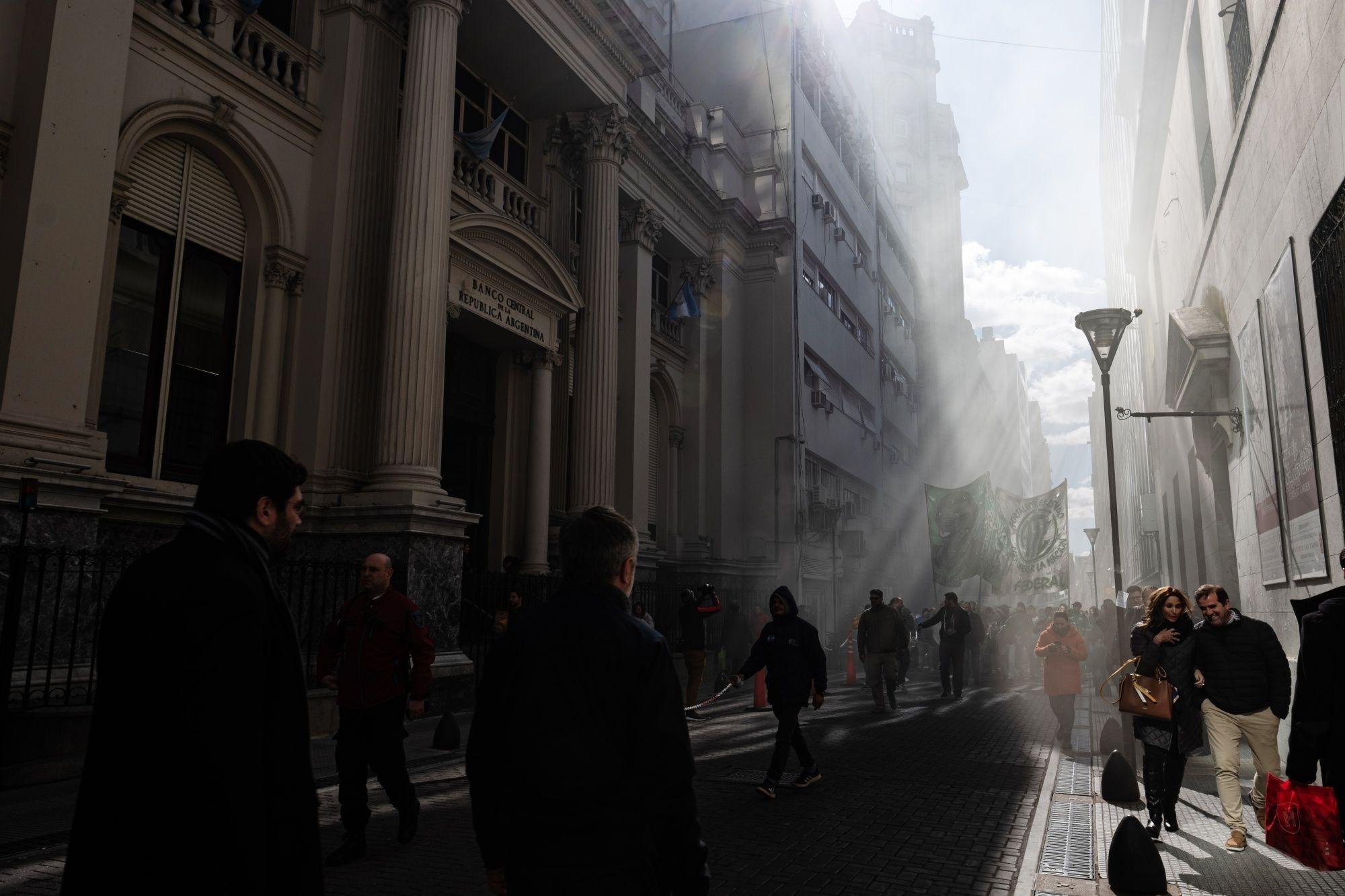 Letra chica de bonos argentinos es crucial ante posible default