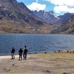 Laguna Querococha, Perú.