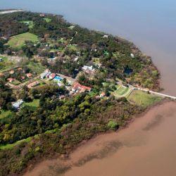 Vista aérea de la Isla Martín García, la nueva joya turística porteña.
