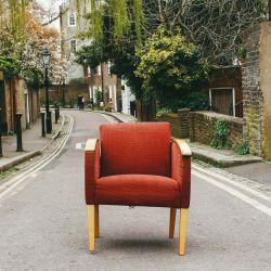 Cómo restaurar un sillón antiguo