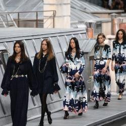 Escándalo en pleno desfile de Chanel